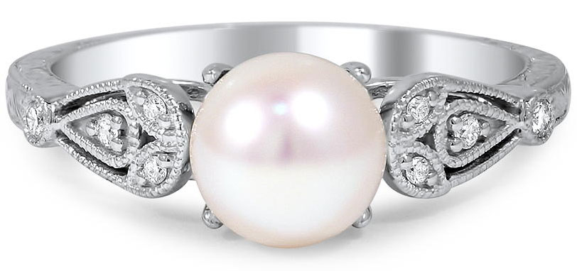 Pearl Engagement Rings and Wedding Rings: The Handy Guide Before You Buy