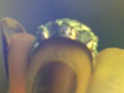 FRONT OF ENGAGENT RING (BACK OF ENGAGEMENT RING LOOKS THE SAME WITH THE SAME DETAILS)